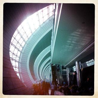 Dubai International Airport; waiting passengers - MMO000424