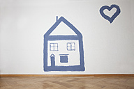 Painted house and heart on wall - RBF002183