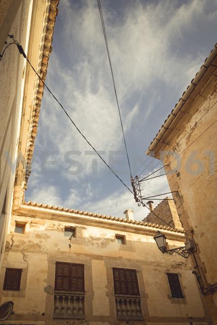 Spain, Baleares, Mallorca, Capdepera, facades of old town - DWIF000327