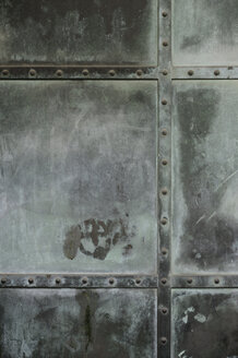 Weathered metal door, close-up - GUF000061