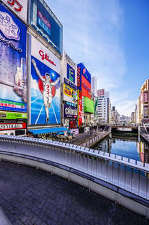 Japan, Osaka, shops in Dotonbori district - THA001009
