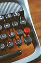 Old typewriter on wood, close-up - EBSF000380