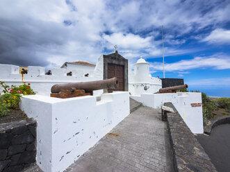 Spain, Canary Islands, La Palma, Santa Cruz de la Palma, Castillo de la Virgen - AMF003463