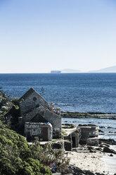 Spain, Andalusia, Tarifa, ruin on beach - KB000256