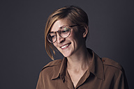 Smiling woman wearing glasses - DWF000227