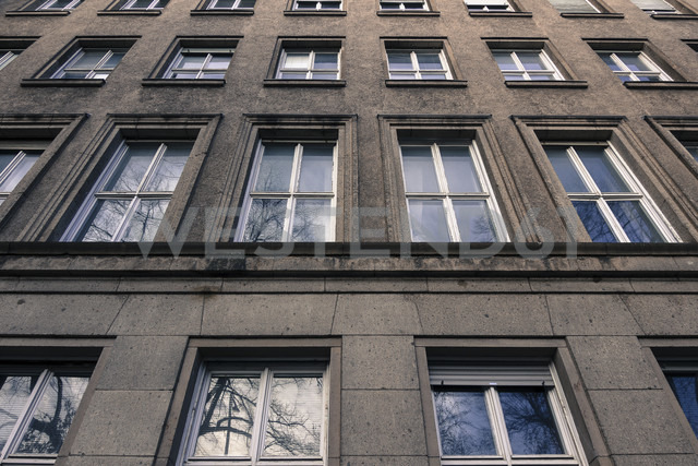 Germany, Berlin, front of a house - CMF000215 - Christine Müller/Westend61