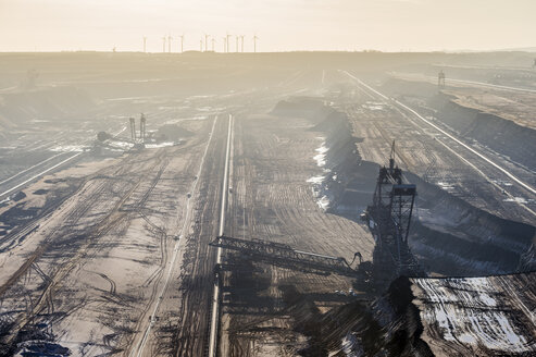 Germany, North Rhine-Westphalia, Grevenbroich, view to bucket-wheel excavator at brown coal mining Garzweiler - FRF000155