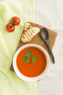 Tomato cream soup with baguette - ECF001623