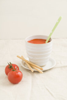 Tomato cream soup in a cup, grissini - ECF001630