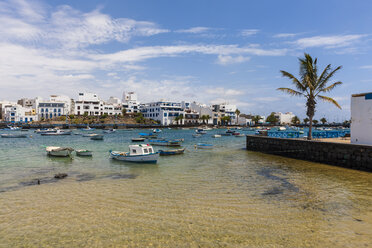 Spain, Canary Islands, Lanzarote, Arrecife, view to Charco de San Gines - AMF003522