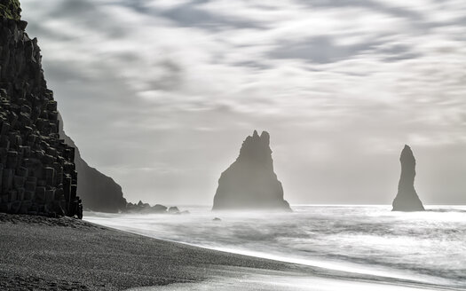 Iceland, Southern Coast, Halsanefshellir, Reynisfjara - STSF000652
