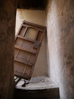 Morocco, broken old wooden door - JMF000288