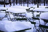 Germany, Bavaria, Munich, beer garden in snow - FCF000602