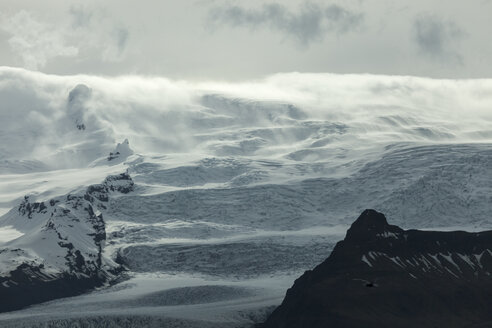 Iceland, Jokurlsarlon, mountains and clouds - ATAF000097