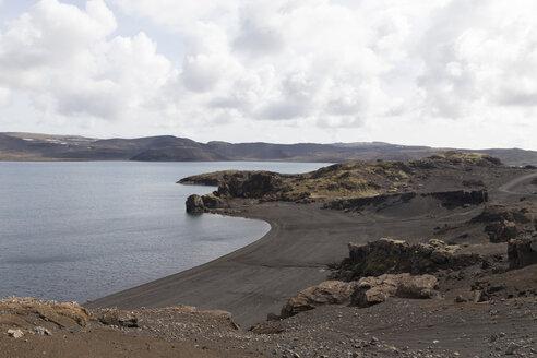Iceland, Reykjanesskagi, Lake Kleifarvatn - ATAF000100