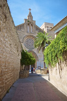 Spain, Balearic Islands, Mallorca, Alcudia, Church of St Jaume - MHF000343