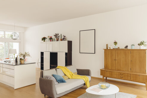 Living room and kitchen counter in modern house - MFF001365