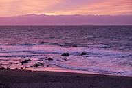Spain, Canary Islands, La Gomera, Valle Gran Rey, evening mood at the beach - SIEF006357