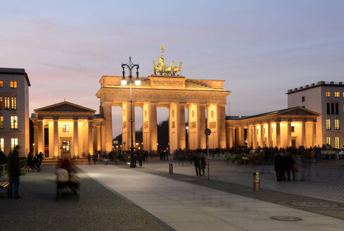 Germany, Berlin, Brandenburg Gate, Pariser Platz in the evening - BFRF000840