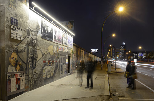 Germany, Berlin, East Side Gallery at night - BFR000852