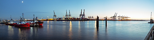 Germany, Hamburg, Harbour, Elbe river, Blue hour, Panorama - KRP001259