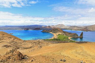 Ecuador, Galapagos Islands, Bartolome, volcanic landscape with view to Santiago - FOF007284