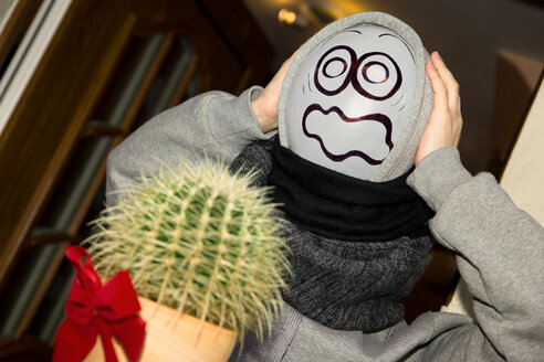 Balloon person horrified because of cactus - MIDF000035