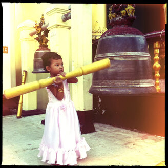 little girl knocking the holy bell, shwedagon pagoda, yangon, myanmar - LUL000109