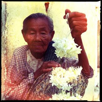 women selling flowers, Shwezigon Pagoda, myanmar - LUL000128