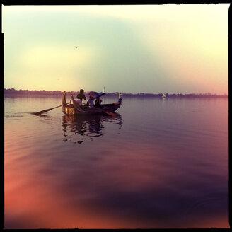 longtail boat at the u bein bridge, amarapura, myanmar - LUL000135