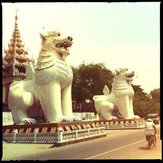 white statues, mandalay, myanmar - LUL000209