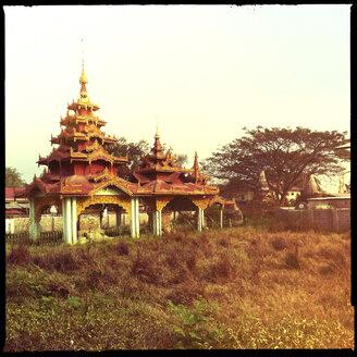 pagoda, inle lake, myanmar - LUL000240
