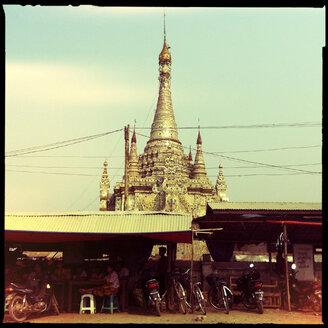 pagoda, inle lake, myanmar - LUL000251