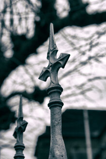 Tip of a wrought-iron fence - ON000778