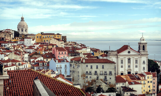 Portugal, Lisbon, view of Alfama neighborhood - EHF000110