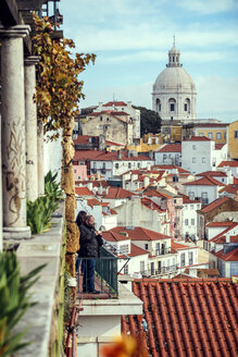 Portugal, Lisbon, view of Alfama neighborhood - EH000066