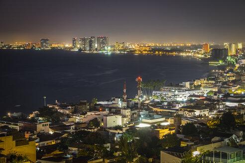 Mexico, Puerto Vallarta, Banderas Bay by night - ABAF001619