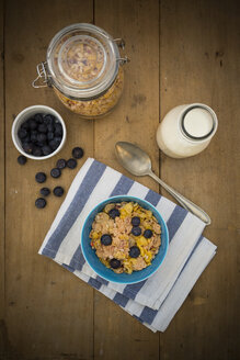 Glutenfree muesli with blueberries - LVF002599
