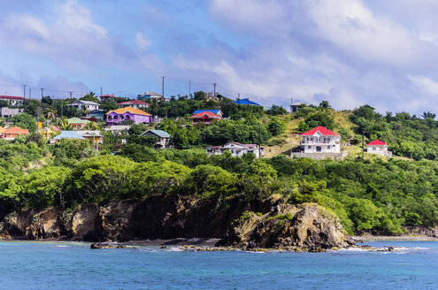 Caribbean, Antilles, Lesser Antilles, Grenadines, Mayreau, View to houses at coast - THAF001189