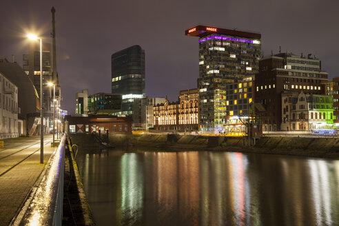 Germany, Duesseldorf, media harbor at night - WIF001301
