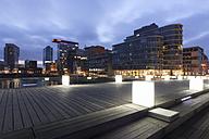 Germany, Duesseldorf, media harbor at dusk - WI001308