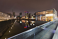 Germany, Duesseldorf, media harbor at night - WIF001314