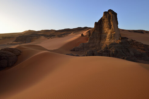 Algeria, Tadrart region, Sahara desert,  sanddunes of Tin Merzouga at evening twilight - ES001520