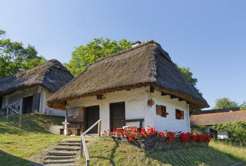 Austria, Burgenland, Kellerviertel Heiligenbrunn - SIEF006406
