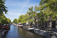 Netherlands, County of Holland, Amsterdam, town canal with house boats - GW003734