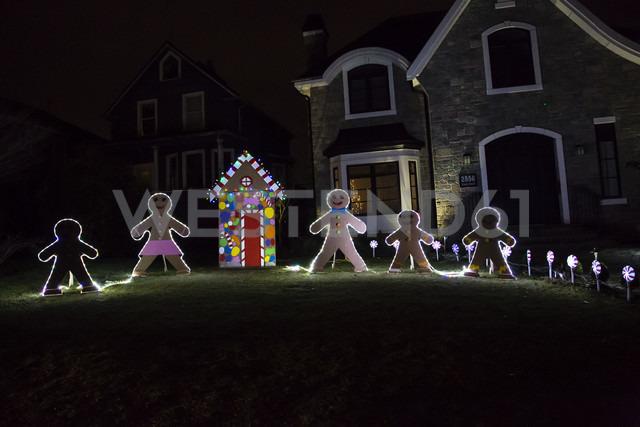 Canada, Vancouver, Christmas illuminations, Row of Gingerbread men - NGF000189