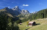 Austria, Filzmoos, Dachstein Mountains, Gosaukamm, Bischofsmuetze - WWF003368