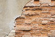 Italy, Veneto, Venice, brickstone wall - GWF003845