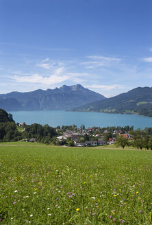 Austria, Seefeld, with lake Attersee and Schafberg - WWF003410