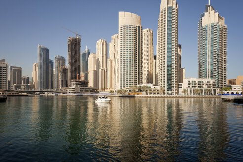 UAE, Dubai, view to skyscrapers at Dubai Marina - PCF000021